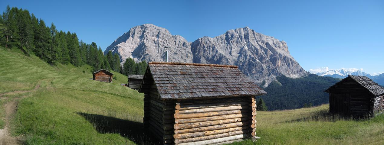 Hiking week in the heart of the Dolomites